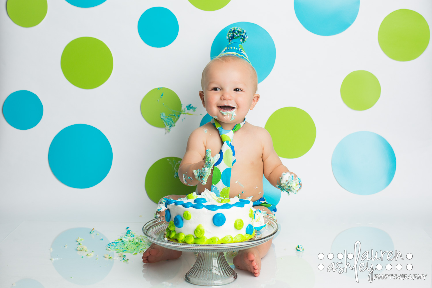 One year old boy cake smash