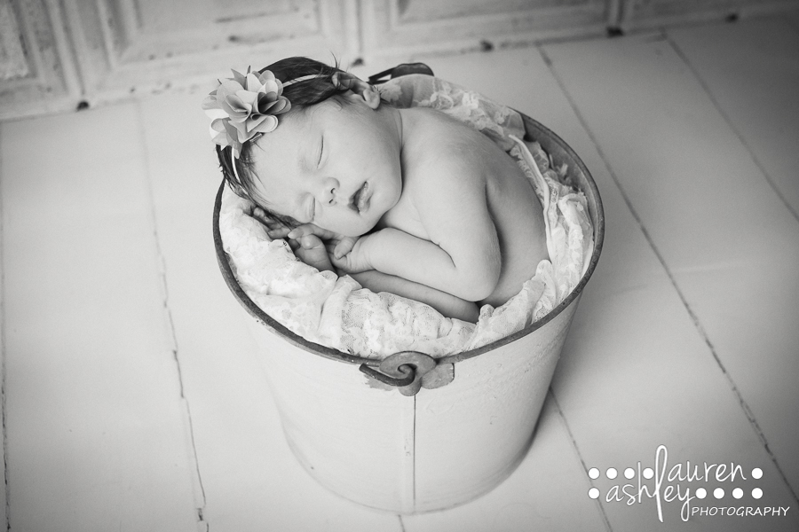 Newborn Bucket Pose Photography